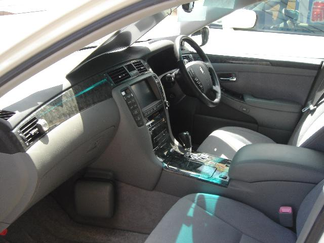 トヨタ  クラウン 3.0 ロイヤルサルーンG