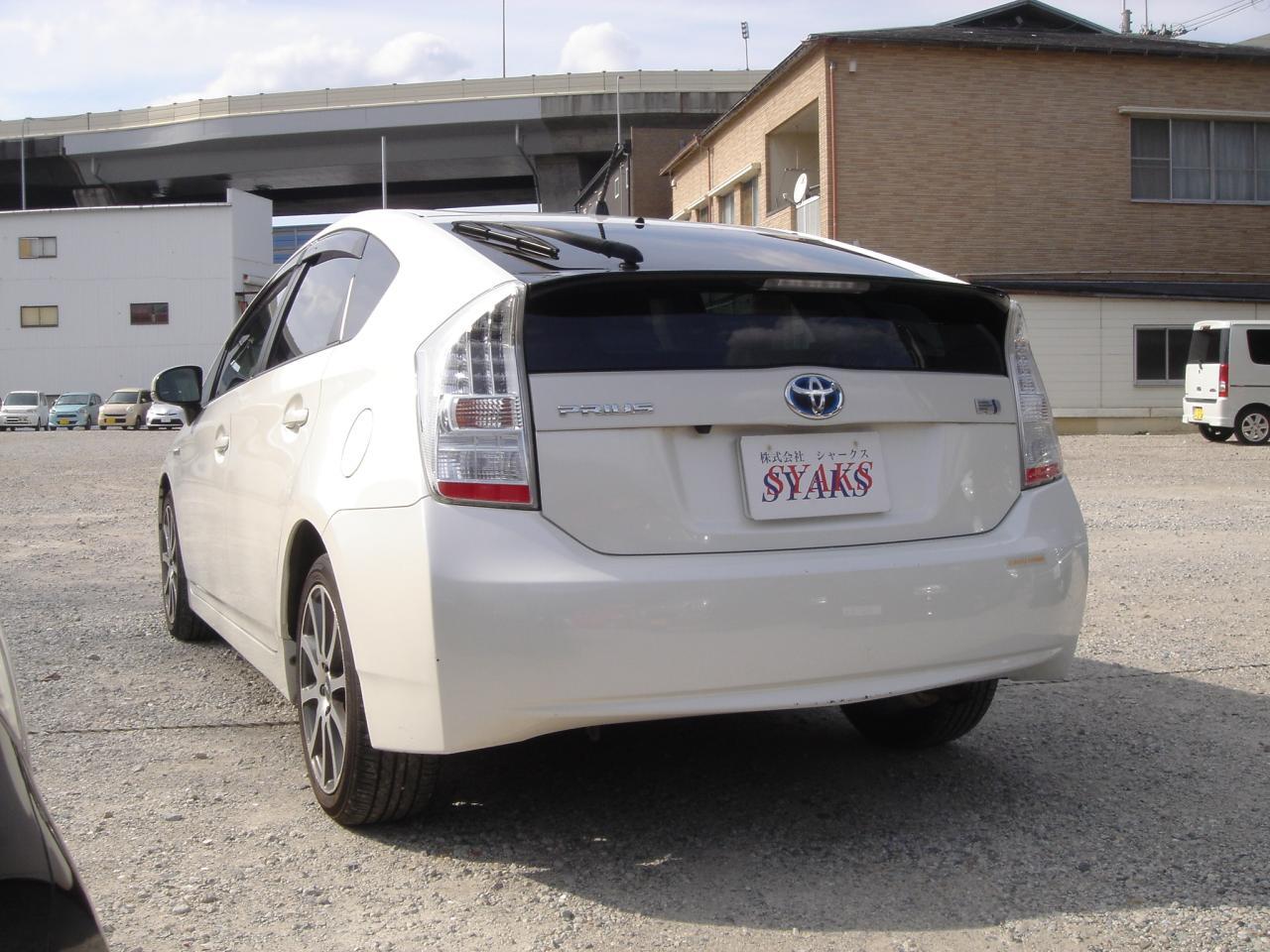 トヨタ プリウス 1.8 S ホワイト